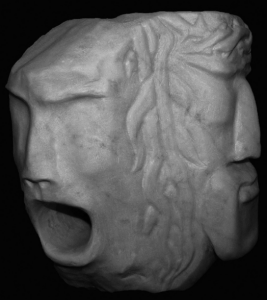 Ilario Simonetta - Golgota, 2017 - marmo scolpito - 28(h) x 34 x 35 cm